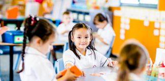 Chọn trường tiểu học cho con nên dựa vào tiêu chí nào và danh mục các trường tiểu học tại Hà Nội để phụ huynh tham khảo.