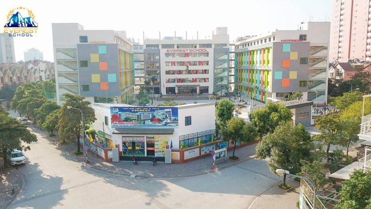 Trường Everest – Trường Tiểu học, THCS song ngữ