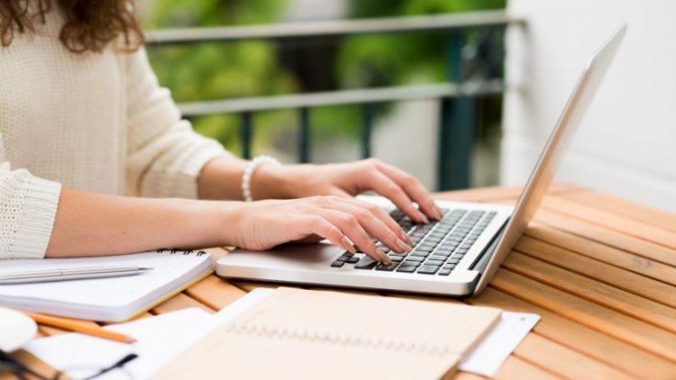10 trang web và ứng dụng giúp cải thiện kỹ năng viết