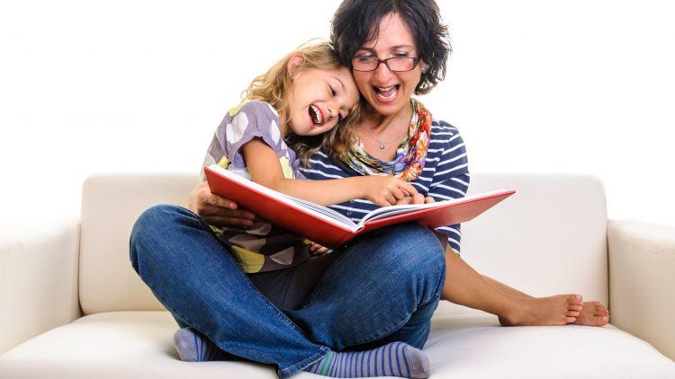 Đọc to cho trẻ: Hướng dẫn cha mẹ chi tiết cách thực hành