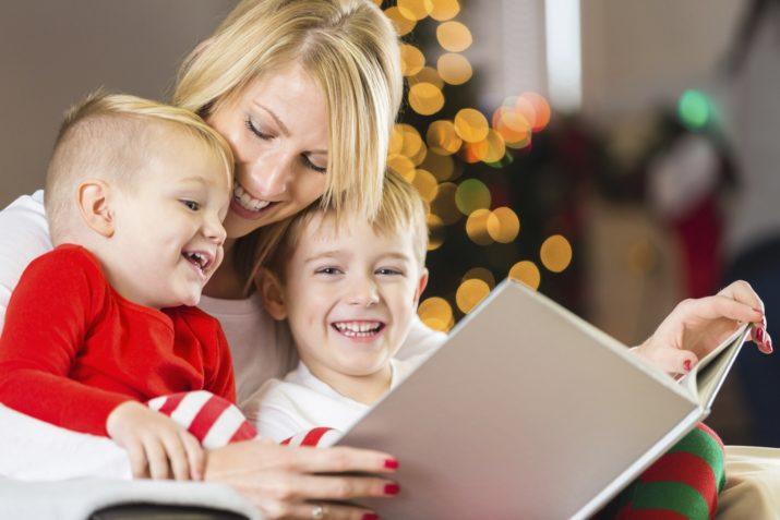 Mẹ đọc sách cho con mùa Giáng sinh (Ảnh: I See Me!)