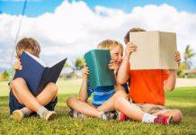 Đọc sách hè_ danh mục sách tiếng Anh hay cho bé lớp 1, lớp 2 (Ảnh: Our Community Now at Colorado)