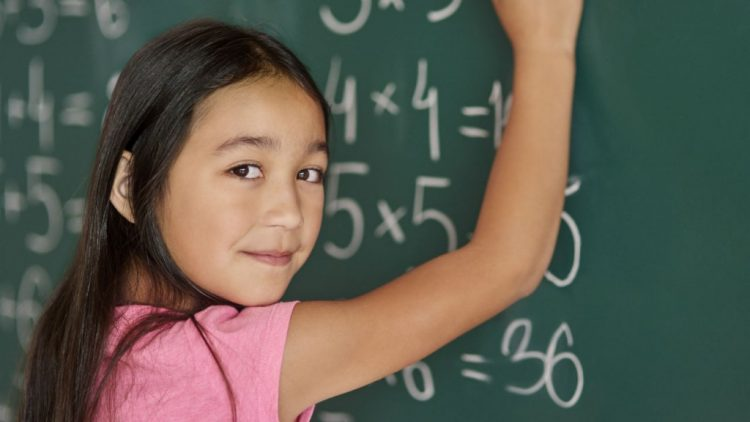 Nghỉ hè, sáng tạo trò chơi toán học cực hấp dẫn cho bé