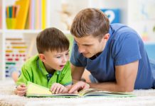 Xây dựng kỹ năng ngôn ngữ cho trẻ theo từng cấp học (Ảnh: Angelibebe)