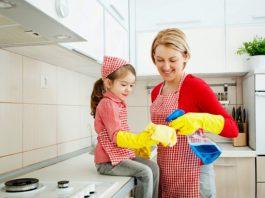 Hướng dẫn chi tiết các bước dạy con làm việc nhà (Ảnh: kemembe)