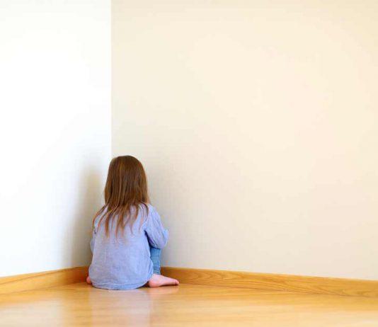 4 dấu hiệu bạn vô tình làm con thiếu tự tin mà không biết (Ảnh: National Post)