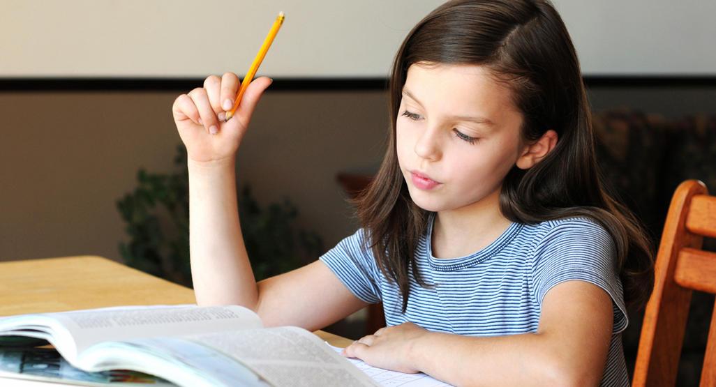 Bí quyết giúp trẻ hào hứng hoàn thành bài tập về nhà (Ảnh: Baby Center)