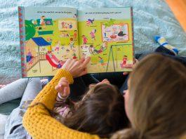 5 yếu tố cần xem xét khi chọn sách phi hư cấu cho trẻ nhỏ (Ảnh: blog.barefootbooks.com)