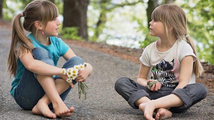 3 hoạt động giúp bé tăng cường kỹ năng nghe