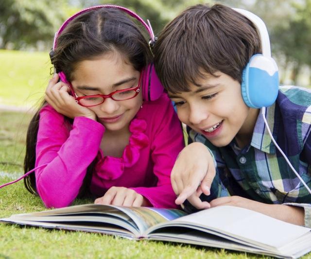 4 bí quyết giúp trẻ làm nhiều bài tập nghe hiểu hơn (TheSchoolRun)