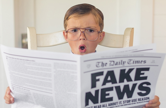 Đọc phản biện: Dạy trẻ phân biệt tin thật, tin giả