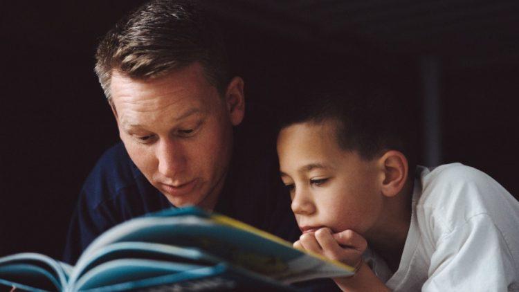 5 lý do đọc sách cho con khi trẻ đã lớn vẫn là tốt nhất