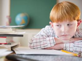 Làm thế nào để xử lý thói quen trì hoãn của trẻ? (Ảnh: The Telegraph)