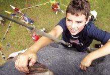 Làm gì để dạy con kiên gan bền chí, không bao giờ bỏ cuộc? (Ảnh: HONOLULU Family)
