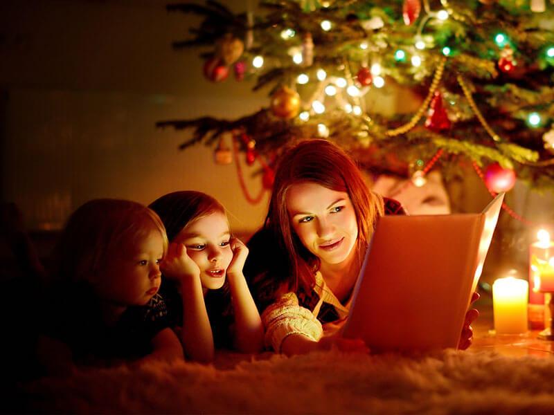 Scholastic gợi ý 30 cuốn sách Giáng sinh để đọc cùng con
