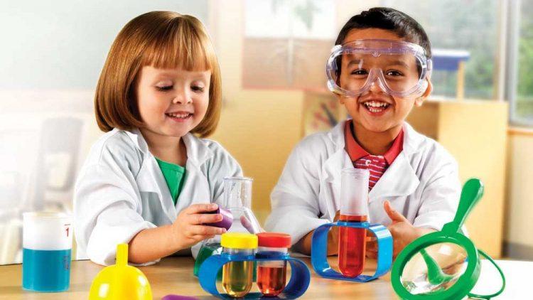 5 công cụ công nghệ dạy trẻ yêu khoa học