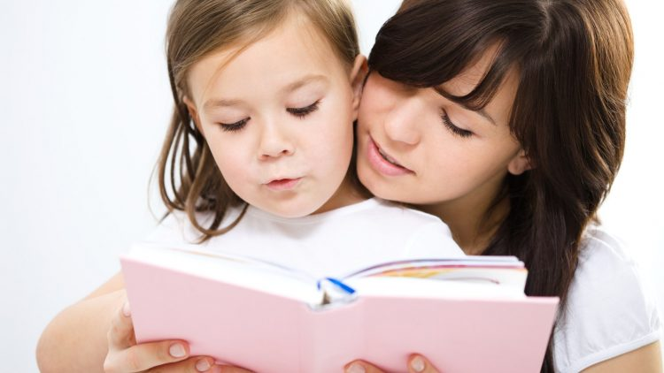25 hoạt động giúp bé 0-11 tuổi đọc sách thật vui (P1)