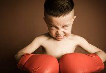 Dạy con mạnh mẽ: 4 cách giúp con sẵn sàng đương đầu thử thách (Ảnh: Smart Parents)