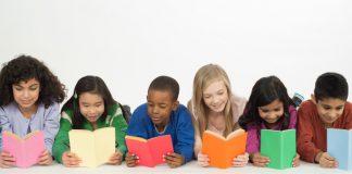 Đọc sách hay giúp trẻ chinh phục các bài thi chuẩn hoá như thế nào? (Ảnh: We Are Teachers)