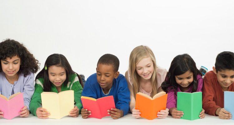 Đọc sách giúp trẻ chinh phục bài thi chuẩn hoá ra sao?