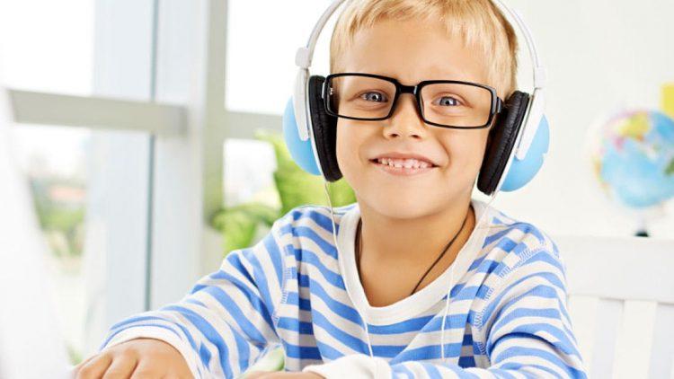 10 Podcast tiếng Anh hấp dẫn dành cho trẻ em