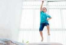 5 cách giúp trẻ hiếu động bình tâm trở lại (Ảnh: Smart Parents)