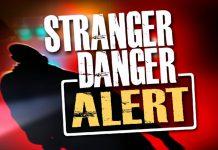 Dạy con quy tắc an toàn với người lạ: Cần cập nhật những gì? (Ảnh: Click2Houston)