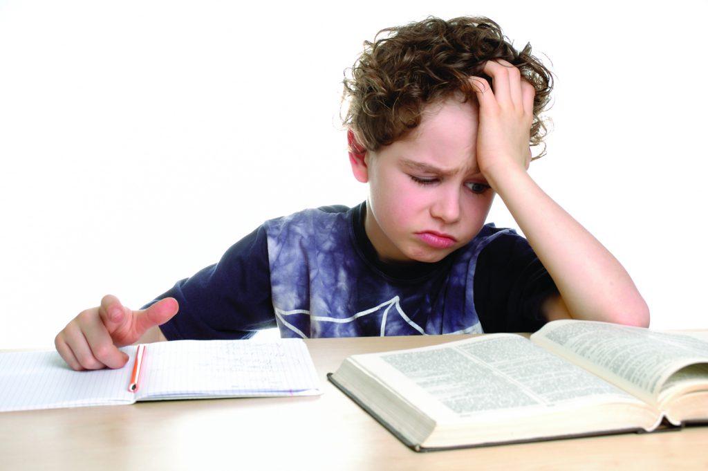 Cách mới giúp con bạn hứng thú đọc sách và đọc tốt hơn (Ảnh: PharmacyPedia)