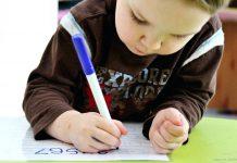 7 cách giúp bé 2 tuổi làm quen với kỹ năng viết (Ảnh: carmenlawson.club)
