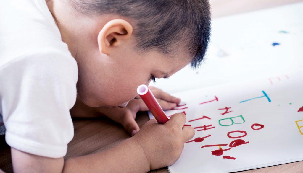 7 bí quyết dạy kỹ năng viết cho trẻ từ 2 tuổi (Ảnh: Futurity.org)