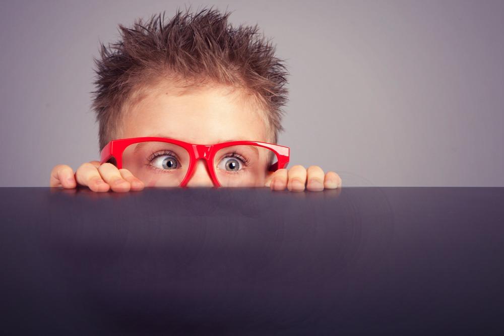 8 bước giúp trẻ vượt qua một nỗi sợ (Ảnh: Hey Sigmund)