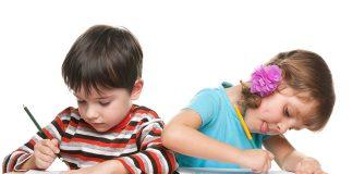 Mối liên hệ bất ngờ giữa viết chữ bằng tay và học đọc (Ảnh: FTKny)
