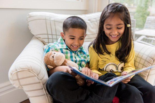 Áp dụng 3 cách này, trẻ nhất định sẽ yêu đọc sách (Ảnh: Canadian Family)