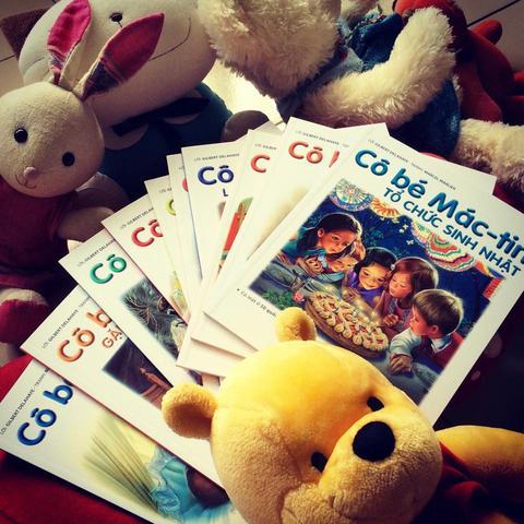 Chọn sách tiếng Việt hay cho trẻ 6-7 tuổi - Cô bé Mác tin (Ảnh: bongbay.vn)