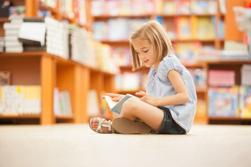 Hướng dẫn chi tiết cách viết bài giới thiệu sách cho học sinh cấp 1, cấp 2.