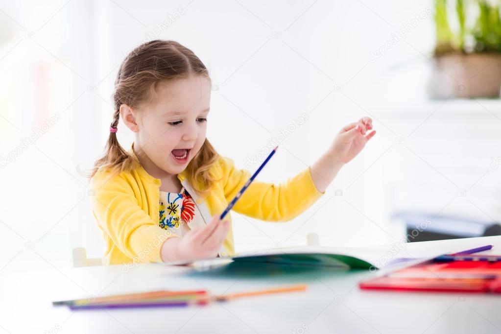 Cha mẹ giúp trẻ xử lý bài tập về nhà: Từ mẫu giáo tới lớp 2 (Ảnh: nl.depositphotos.com)