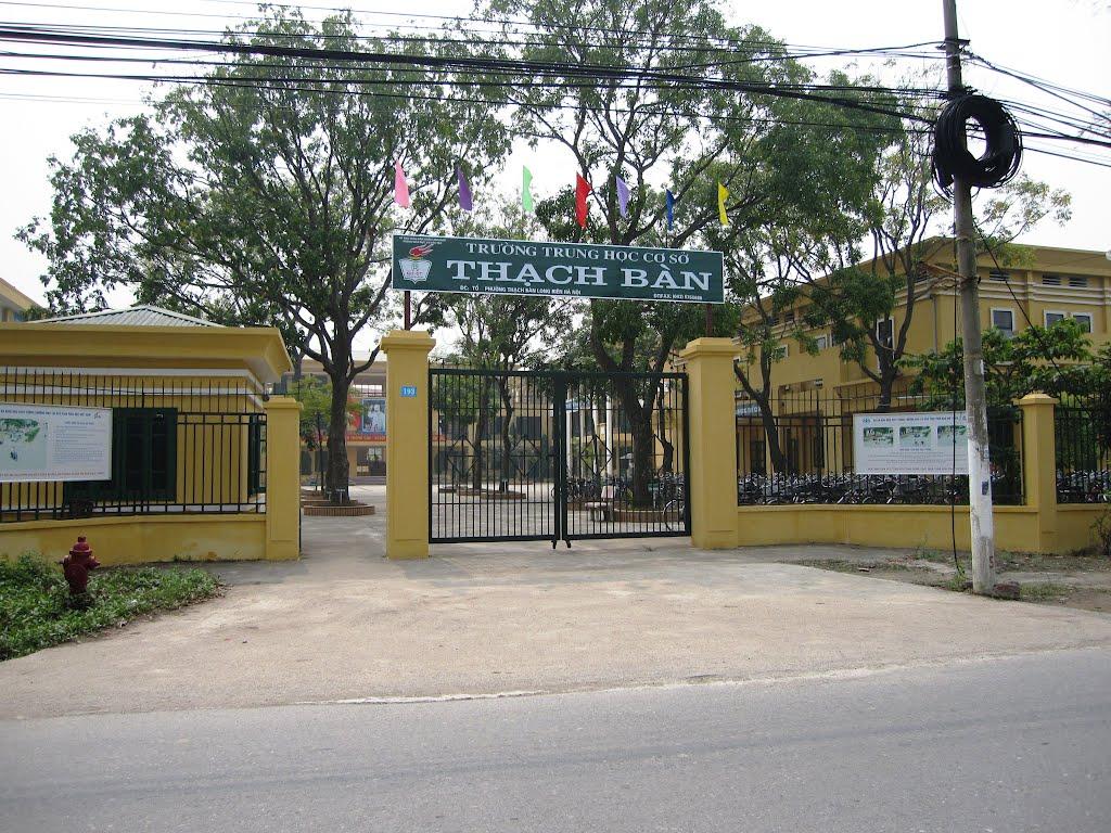 Thạch Bàn - Trường THCS công lập quận Long Biên, Hà Nội (Ảnh: Panoramio)