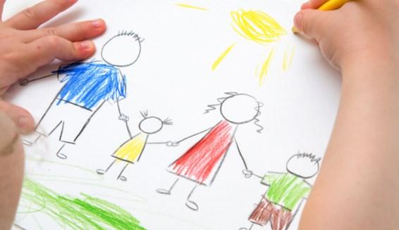 Giúp trẻ lớp 3 - lớp 5 xử lý bài tập về nhà (Ảnh: pleer.ru)