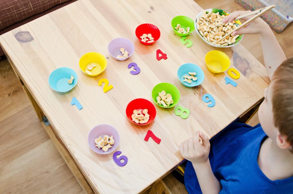 10 hoạt động giúp bé luyện kỹ năng vận động tinh (Ảnh: Children's Therapy TEAM)