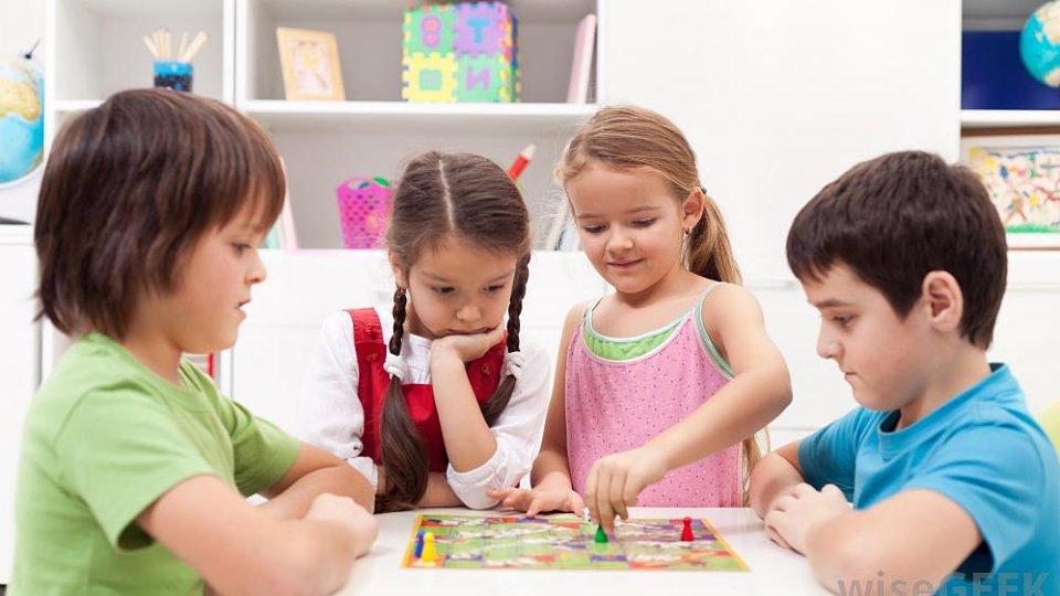 Các kiểu chơi đùa quan trọng với sự phát triển của trẻ (Ảnh: Jones Therapy Services)