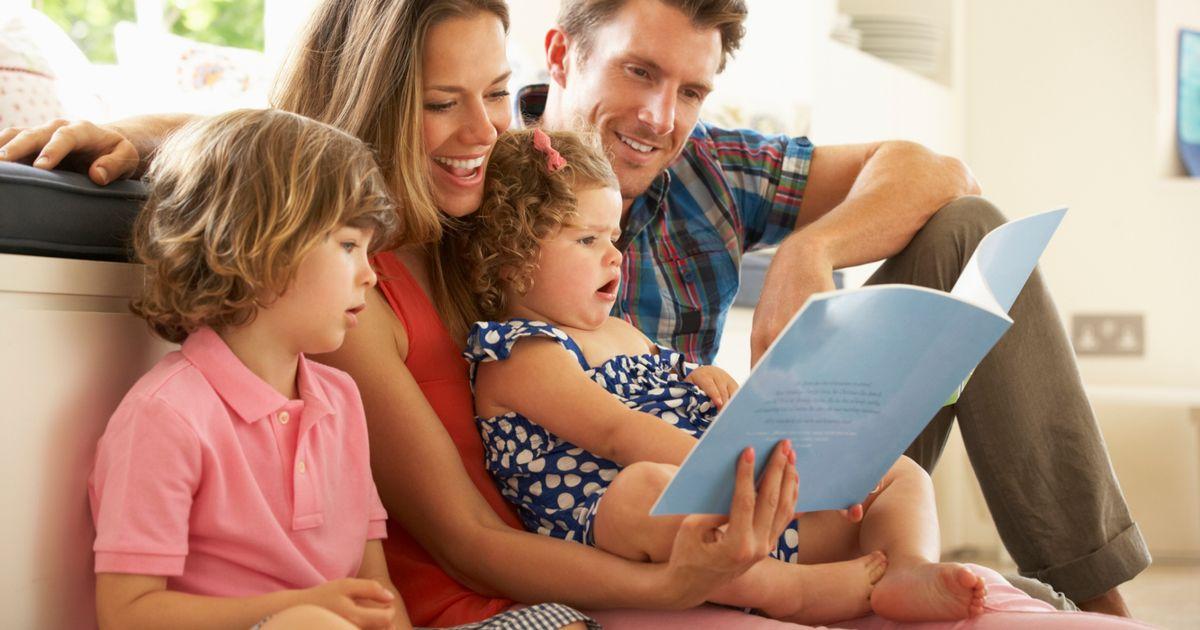 25 hoạt động giúp bé 0-11 tuổi đọc sách thật vui (P1) (Ảnh: momma.id)