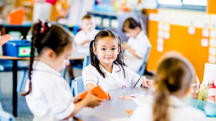 Chọn trường tiểu học cho con theo các tiêu chí nào?