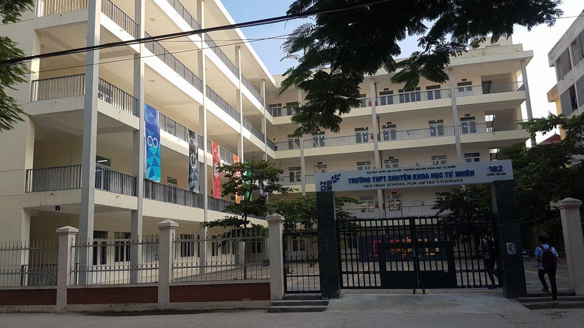 Trường THPT chuyên Khoa học Tự nhiên