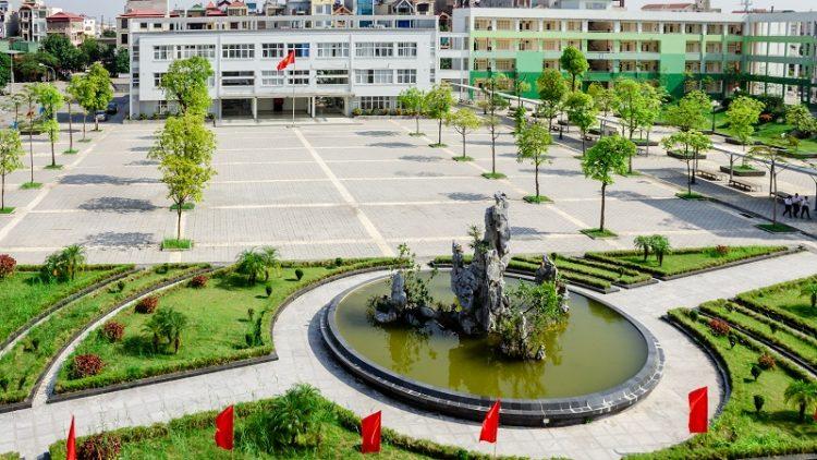 Trường THPT Chuyên Nguyễn Huệ – Hà Đông