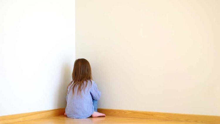 4 dấu hiệu bạn vô tình làm con thiếu tự tin mà không biết