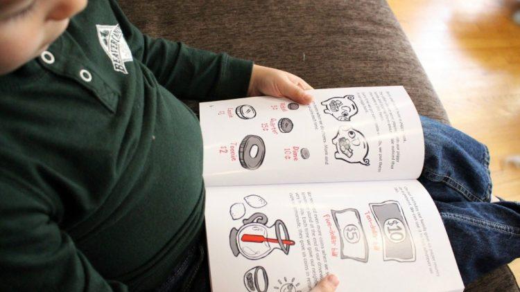 10 cuốn sách tiếng Anh dạy con về tiền