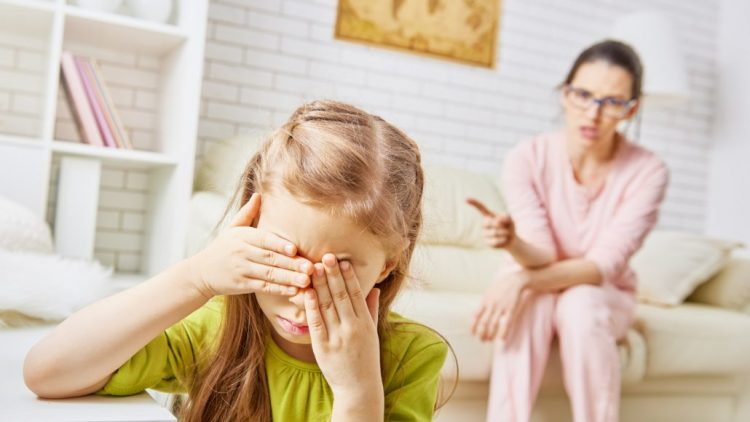 Mẹ Ấn Độ chia sẻ cách giữ bình tĩnh, không la hét khi dạy con