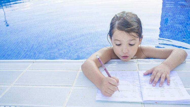 7 cách giúp bé Tiểu học nghỉ hè mà không quên hết kiến thức