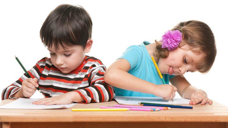 Luyện viết chữ bằng tay giúp trẻ học đọc tốt hơn