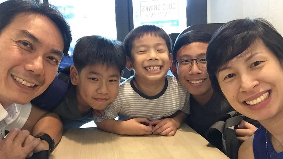 Tôi đã giúp con trai kiểm soát chứng tăng động như thế nào? (Ảnh: Smart Parents)